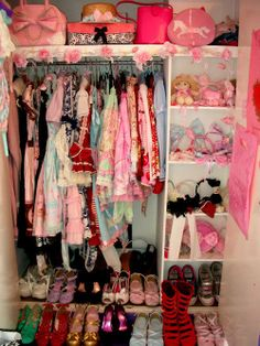 Lolita closet! I want this. I want it so badly.