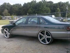 96 ss crank it💨💨💨😜 1996 Impala Ss, Chevy Impala Ss, Chevy Ss, Chevrolet Chevelle, Chevrolet Caprice, Chevy Classic, Classic Cars, Big Trucks, Chevy Trucks