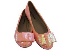 Sapatilha Paetê Rosa Transparente, apenas R$119.90 + frete grátis! Para verificar a numeração e efetuar a compra é só entrar em contato pelo e-mail: vendas@sapatilhashop.com.br