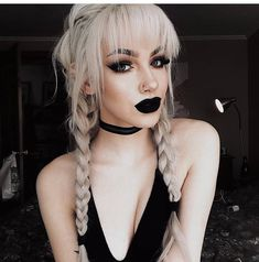 an I look like this again plz plz plz plz Edgy Makeup, Gothic Makeup, Dark Makeup, Witchy Makeup, Blonde Goth, Goth Hair, Goth Beauty, Hair Beauty, 90s Grunge Hair