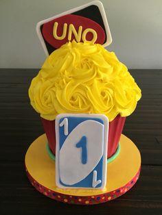 Uno smash cake