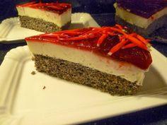 Prostmahlzeit: Mohntorte mit Himbeerspiegel und Blüten vom Ananassalbei