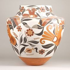 Intricate design on pottery Native American style