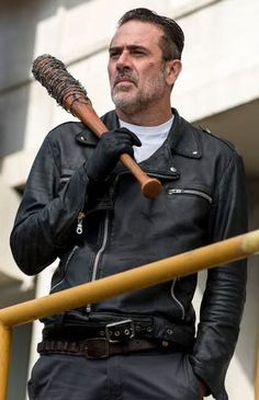 The Walking Dead Jeffrey Dean Morgan Black Faux Negan Leather Jacket For Men Description: This Stylish jacket has been made from TV Series The Walking Dead Negan Jaffery and this jacket gives you a stunning style among people. Carl The Walking Dead, The Walk Dead, Walking Dead Quotes, Jeffrey Dean Morgan, Walking Dead Wallpaper, Negan Lucille, Lauren Cohan, Daryl Dixon, Wattpad