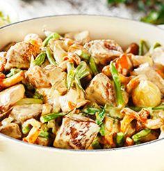 KREMET ELGGRYTE Kung Pao Chicken, Potato Salad, Potatoes, Meat, Dinner, Ethnic Recipes, Food, Dining, Potato