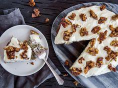 Banana Cake with Caramel Walnuts Recipe - Viva