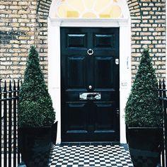 Pretty London doors ! Por Vic Ceridono   Dia de Beauté