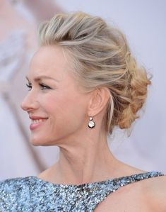 20 Best Wedding Hairstyles - Bride, Wedding Guest, and Maid of Honor Hairstyles - Elle - Naomi Watts Oscar Hairstyles, Best Wedding Hairstyles, Celebrity Hairstyles, Bride Hairstyles, Cool Hairstyles, Hairstyle Ideas, Updo Hairstyle, Natural Hairstyles, Hairstyles 2016
