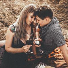фотосессия в поле, семейная фотосессия, фотопрогулка, фотосессия пары, летняя фотосессия, фотосессия колоски, поле, пшеница, шляпка, нежная фотосессия, в полях, фотосессия свидание, годовщина свадьбы Couple Photos, Couples, Couple Shots, Couple, Couple Pics