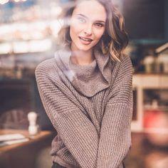 Julia Furdea @juliafurdea Instagram (c) inshot Turtle Neck, Pullover, Sweaters, Instagram, Fashion, Moda, Fashion Styles, Sweater, Fashion Illustrations