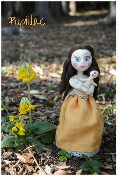 Sometimes I bring my dolls into the woods, they are so happy there! #artdolls #pupillae #handmadedolls #artdolls #needlefelting #doll #interiordolls