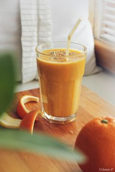 Sunny smoothie & orange hat - MyCosmo - Blog