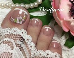 Nail Arts, Pedicure, Pearl Earrings, Nails, Designed Nails, Pretty Toe Nails, Simple Toe Nails, Toe Nail Art, Pedicure Ideas