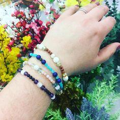 Pruženkové náramky z minerálních korálků Bangles, Bracelets, Jewelry, Jewlery, Jewels, Bracelet, Jewerly, Jewelery, Accessories