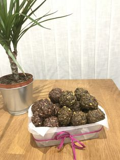 A quick tasty snack when your feeling Hungry. Cacao and walnut Energy Balls Matcha, Pistachio and peanut butter Cacao Balls Ingredients 2cups Walnuts 1cup Cashew Nuts 1 1