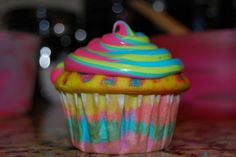 Glow in the Dark Cupcakes...a little trick to solve the food color problem too...fab! link for recipe is just under the description on the site.