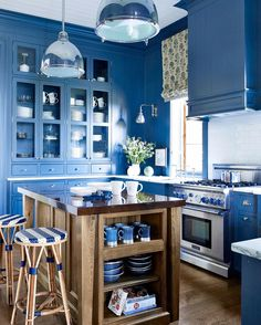 Bom domingo! #kitchenstyle #kitchenlovers ##mykindofkitchen #bluelovers #blueaddicted