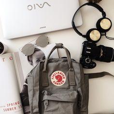 backpack, sunglasses, and kanken afbeelding
