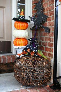 Love the pumpkins!