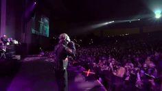 en plein concert de Slipknot Ce spectateur va vite regretter d'avoir joué avec son téléphone - http://www.newstube.fr/plein-concert-de-slipknot-spectateur-va-vite-regretter-davoir-joue-telephone/ #Concert, #ConcertDeSlipknot, #Slipknot, #Spectateur, #SpectateurTéléphone