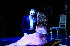 """Arndt Gerber und Paul Wilhelm sorgen mit ihrer Inszenzierung der Tragödie vom """"Phantom der Oper"""" für einen spannenden Musicalabend in unserem Beethoven-Saal. Am 09.01., ab 20 Uhr. Mehr unter: http://www.asa-event.de/das-phantom-der-oper.php © ASA Event GmbH"""