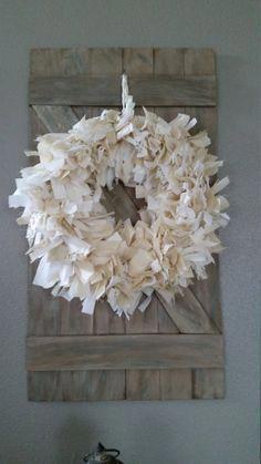 Shabby Chic decor - neutral home decor - muslin wreath. More Shabby Chic decor - neutral home decor - muslin wreath.