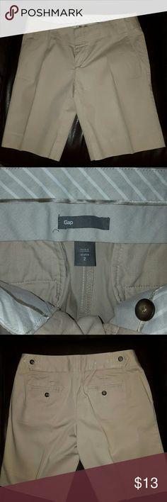Gap Khaki Shorts Khaki shorts by Gap, size 2 Stretch. 98% Cotton, 2% Spandex. Just not my style. Measurements provided upon request. GAP Shorts Bermudas