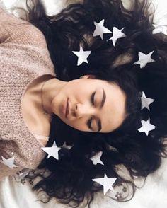 """Просто лежать на кровати и в """"облаке"""" сны"""