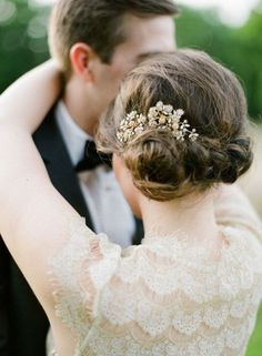 Coiffure mariage : 23 Stunning Wedding Hairstyles for Any Wedding  MODwedding