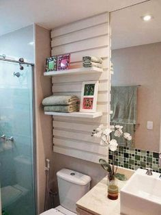48 House Decoration Everyone Should Keep small bathroom bathroom bathrooms remodel bathroom storage Wc Decoration, Interior Design Boards, European Home Decor, Eclectic Decor, Home Decor Trends, Bathroom Interior, Bathroom Inspiration, Small Bathroom, Bathroom Storage