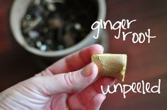 """Growing ginger root indoors. Look for pieces with well developed """"eyes"""" or growth buds. (The buds look like little horns at the end of a piece or """"finger"""") Some people recommend to soak the rhizomes in water over night. That's not a bad idea, since shop bought ginger might have been treated with a growth retardant."""