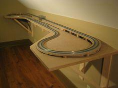 Smith Creek Designs N Scale Model Railroad Shelf Layout with Kato Unitrack Ho Scale Train Layout, Ho Train Layouts, Corvette Cabrio, Chevrolet Corvette, Layout Design, Train Ho, Train Miniature, Escala Ho, N Scale Model Trains
