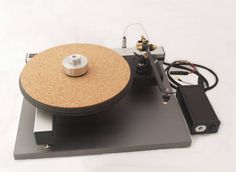 The iota QT turntable and Satori B tonearm,MFP1