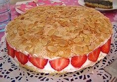 Pellwormer Bienenstich mit Erdbeeren, ein schmackhaftes Rezept aus der Kategorie Kuchen. Bewertungen: 70. Durchschnitt: Ø 4,3.