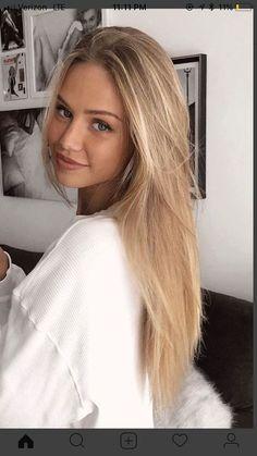 Brunette Hair, Pretty Blonde Hair, Ash Blonde, Girls With Blonde Hair, Bleach Blonde, Blonde Wig, Blond Girls, Pretty Blonde Girls, Beautiful Blonde Girl
