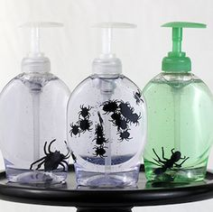 Throw the ultimate Halloween bash for less with these frugal Halloween ideas. From halloween decor to recipes, you can have fun without breaking the bank! Spooky Halloween, Fairy Halloween Costumes, Modern Halloween, Easy Halloween Decorations, Dollar Store Halloween, Halloween Items, Halloween Birthday, Halloween Party Decor, Halloween House