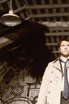 Beautiful artistic cut of Castiel  #Supernatural #LazarusRising  4.01