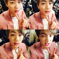 "BTS Tweet - Jin (selca) 150504 -- 분홍옷을 보니 치킨이 땡기네요 그런 저에게 강제로 치킨을 선물할까 합니다 아미도 치킨드세요 --- [tran] ""Looking at my pink clothes is making me crave chicken..so that's why I'm thinking of gifting myself with some chicken by force..."" == cr: ARMYBASESUBS @BTS_ABS"