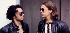 Ylvis Brothers Looking At Each Other Ylvis, Two Brothers, Sexy Men, Round Sunglasses, Most Beautiful, Fashion, Moda, Round Frame Sunglasses, Fashion Styles