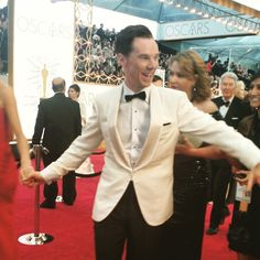 """Benedict Cumberbatch whipping out the moves on the #Oscars2015 #RedCarpet"""