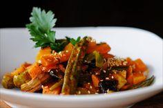 SOWAS von leckerst.... hmmm    3 auf Scheiben geschnittene black garlic Zehen (schwarzer fermentierter Knoblauch)  etwas Lauch auf Stre...
