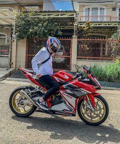 Where has the sunmori been? Motos Yamaha, Yamaha Bikes, Biker Photoshoot, Motorcycle Wallpaper, Moto Bike, Super Bikes, Street Bikes, My Ride, Bike Life