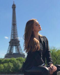 Paris Travel Guide Paris Travel Guide – A Romantic Break for Couples Paris Travel Guide. Paris Photography, Tumblr Photography, Portrait Photography, Paris Pictures, Paris Photos, Holiday Pictures, Girl Photo Poses, Picture Poses, Tour Eiffel
