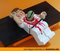 Famosa escena de Alien 8 hecha con LEGO.