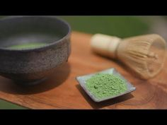 Matcha is known worldwide as a popular ingredient in sweets. But originally, matcha is green tea leaves pulverized into micron-sized powder and mixed into ho. How To Make Tea, Tea Ceremony, Fruits And Veggies, Matcha, Tokyo, Sweets, Make It Yourself, Dishes, Kiosk