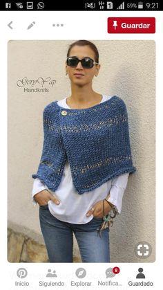 This hot poncho is knitted by me from thick wool yarn in blue denim color. - Stricken , Dieser heiße Poncho wird von mir aus dickem Wollgarn in blauer Denimfarbe gestrickt. This hot poncho is knitted by me from thick wool yarn in blue den. Poncho Pullover, Baby Cardigan, Crochet Poncho, Poncho Sweater, Knitted Poncho, Knit Shrug, Capelet, Shrug Knitting Pattern, Bolero
