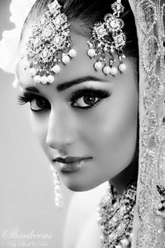 beautiful Indian bride  The Indian young women are gorgeous!
