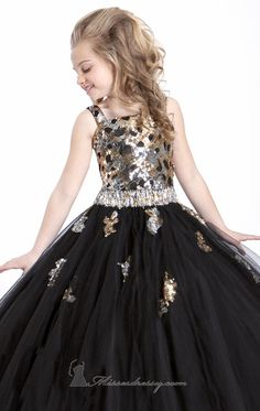Babycouture Offers Best Sale Ever - Flat Off - Deringa Pagent Dresses For Kids, Cheap Party Dresses, Cute Dresses, Beautiful Dresses, Casual Dresses, Formal Dresses, Kid Dresses, Pageant Dresses, Dance Dresses