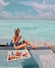Leonie Hanne in Maldives Places To Travel, Travel Destinations, Places To Visit, Wanderlust Travel, Beach Please, Videos Photos, Beach Blonde, Visit Maldives, Floating