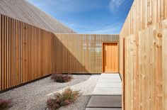 Timber House / KÜHNLEIN Architektur | ArchDaily